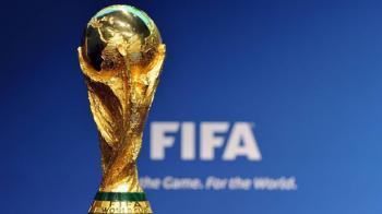 رئيس الفيفا يعرب عن قلقه بشأن كأس العالم