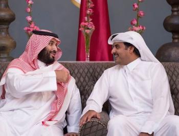 أمير قطر يجري اتصالا هاتفيا بولي العهد السعودي