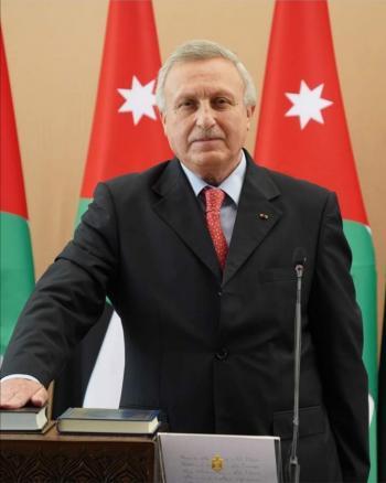 بحث التعاون البيئي بين الأردن والامارات
