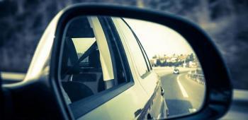 كيف تضبطين مرايا سيارتك بالشكل الصحيح؟