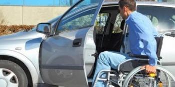 الحكومة تعيد النظر بنظام اعفاء مركبات ذوي الاعاقة