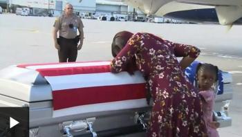 هل تسبب ترامب في بكاء أرملة جندي أمريكي؟