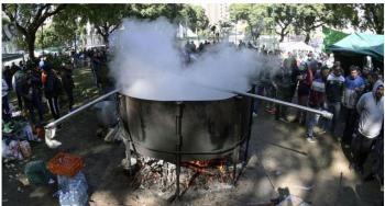 وفاة طباخ عراقي سقط في قدر الحساء