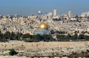 الاحتلال يحتجز عشرات النسوة في القدس ويعتقل 23 فلسطينيا بالضفة