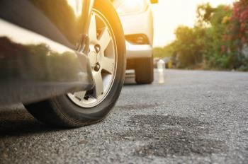 هل يجب ترك عجلة السيارة موجّهة للخارج بعد ركنها؟
