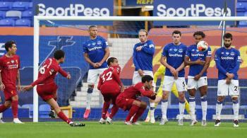 ليفربول يفتتح عودته للدوري الإنجلزي بتعادل محبط أمام إيفرتون