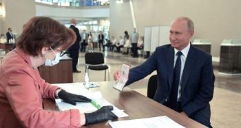 نتائج أولية: الروس يمنحون بوتين حق تمديد حكمه حتى 2036 بأغلبية ساحقة