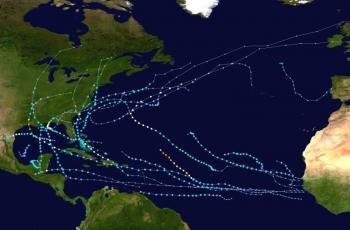 أعاصير استوائية على المحيط الأطلسي قد تجعل 2020 العام الأسوأ