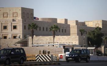 السفارة الاميركية تشهد للحكومة بالاجتهاد