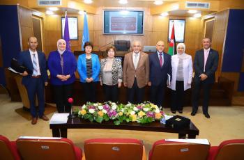 الاميرة منى الحسين ترعى ملتقى عمان الاهلية