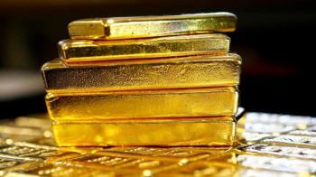 الذهب يهبط بفعل تعافي الدولار