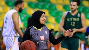 أول محجبة ..  سارة جمال تدخل تاريخ الأولمبياد باختيارها حكما