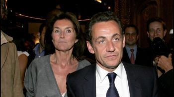 ساركوزي يواجه تهمة خلق وظيفة وهمية لزوجته السابقة