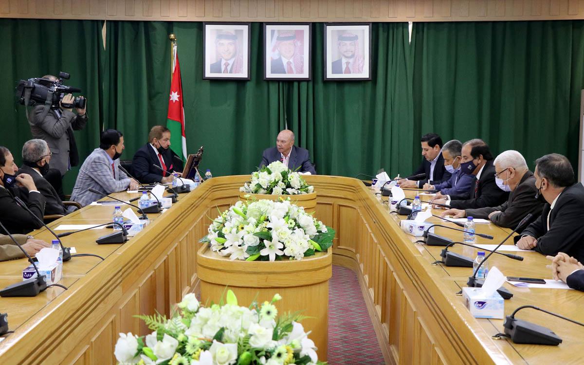 الفايز يلتقي عددا من أعضاء اللجنة الوطنية للعسكريين السابقين