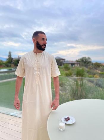 كريم بنزيما يوجه رسالة للصائمين في رمضان