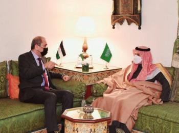 الصفدي وبن فرحان يبحثان توسعة آفاق العلاقات الأردنية السعودية