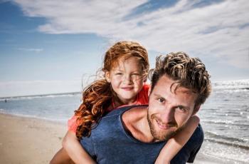 كيف يفوز الأب بقلب ابنته؟