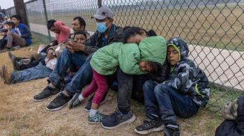 بايدن يتراجع عن قراره بخصوص اللاجئين
