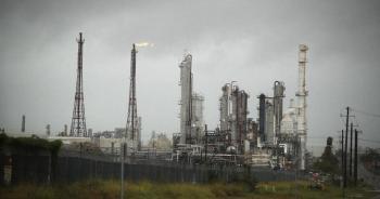 أسعار النفط تتجه لثالث أسبوع من المكاسب