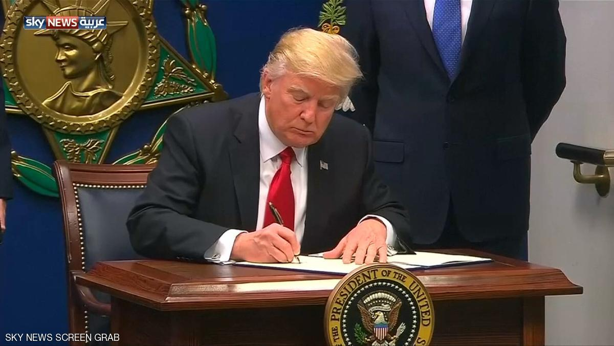 الأربعاء ..  ترامب يوقع أمره التنفيذي الجديد بشأن الهجرة