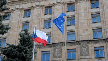 روسيا تستدعي سفير التشيك على خلفية أزمة طرد الدبلوماسيين