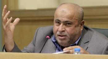عطية يطالب الحكومة بالتراجع عن اغلاق صالات المطاعم والمقاهي