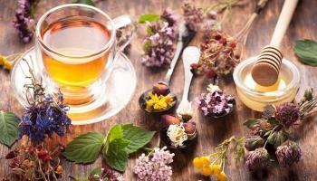 الشاي العشبي ..  بدائل سهلة للمساعدة في شرب الماء