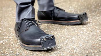 حذاء جديد يجعل حركة المكفوفين أكثر أمانًا