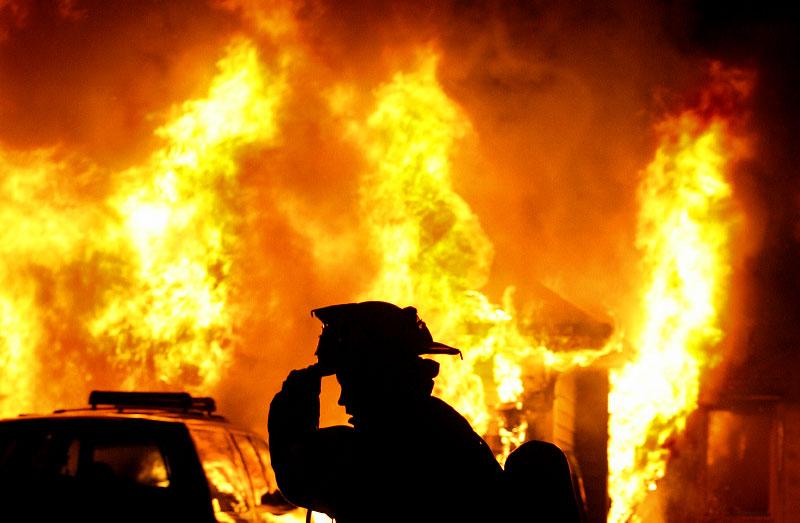 إخماد حريق منزل في كفرنجة