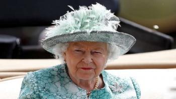 الملكة غاضبة ..  فضيحة تنتظر العائلة المالكة البريطانية
