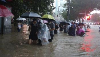 71 قتيلا بفيضانات لم تحدث في الصين منذ 6 عقود