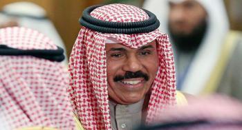 أمير الكويت يهنئ بالاتفاق لحل الخلاف الخليجي