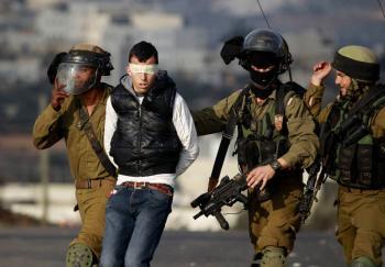 الشرطة الإسرائيلية تعتقل 67 فلسطينيا في عكا واللد