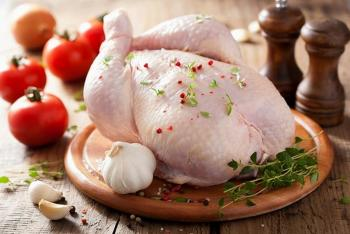 الصناعة والتجارة تؤكد توفر الدجاج بالاسواق وتحرر 83 مخالفة لتجاوز الاسعار