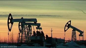 النفط ينخفض لليوم الثاني على التوالي بسبب كورونا