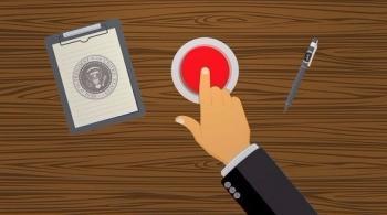 ما سر الزر الأحمر في مكتب ترامب؟