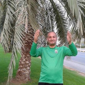 وفاة ابو غضب مؤسس رابطة مشجعي الوحدات داخل الملعب