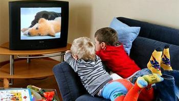 مشاهدة التلفاز لساعات طويلة يزيد مخاطر الموت