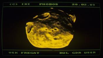 علماء: قمرا فوبوس وديموس شظيتان منشقتان عن قمر كبير للمريخ