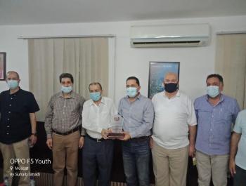 نادي الجالية الأردنية في عُمان يكرم القواسمة