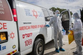 إسرائيل : 8 وفيات و895 إصابة جديدة بكورونا