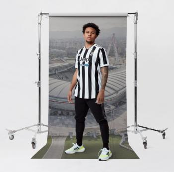 قميص يوفنتوس الجديد يكشف إشارة لمستقبل رونالدو مع الفريق