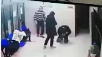 فيديو مؤثر لإنقاذ طفلة فلسطينية وإشادات بـالطبيب البطل