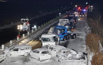 تصادم 130 مركبة على طريق سريع في اليابان بسبب الثلوج (صور)