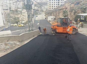مطلوب فتح وتعبيد شوارع لبلدية السلط