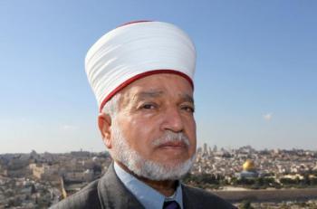 مفتي القدس يحذر من خطورة الحفريات أسفل الأقصى