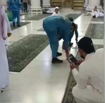 بدء ازالة مظاهر التباعد في الحرم المكي (فيديو)