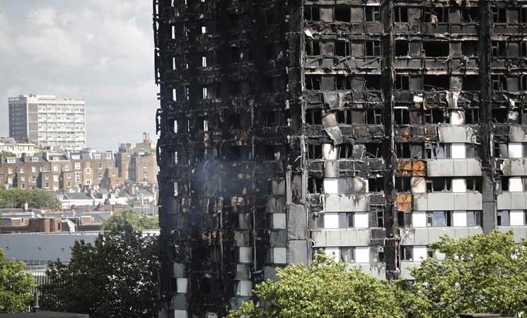 """إحتمال """"توجيه اتهامات بالقتل غير العمد"""" في حريق لندن"""