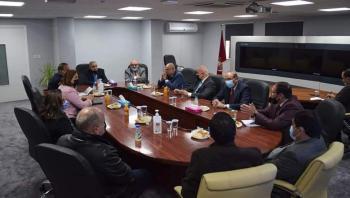 الرئيس الاسبق بدران يخصص ريع كتاب القرار للطلبة المحتاجين في الهاشمية