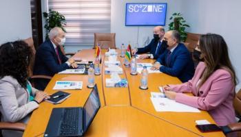 العضايلة يبحث مع رئيس المنطقة الاقتصادية لقناة السويس التعاون بين البلدين